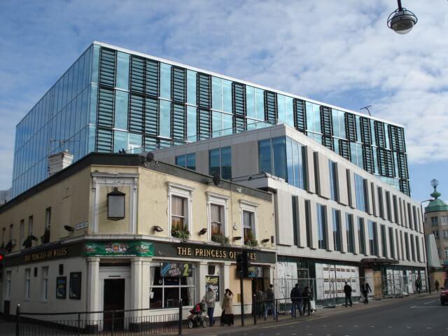 London – West Ham Lane (2005)