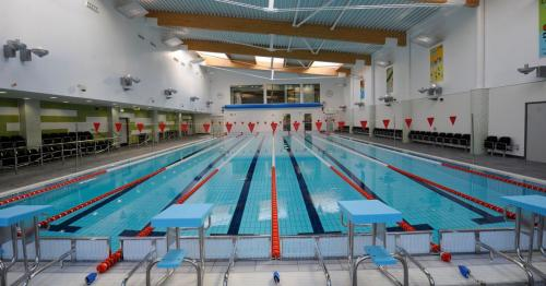 Birmingham – Harbourne Swimming Pool (2009)